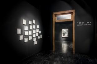 Exposição Topofilias. Artista Claudia Hamerski. Salas Negras do Museus de Arte do Rio Grande do Sul. Porto Alegre. Setembro de 2016.